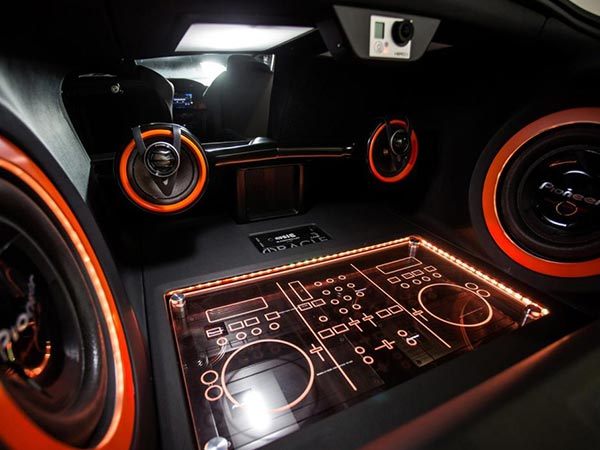 Important factors in boosting the car's audio system