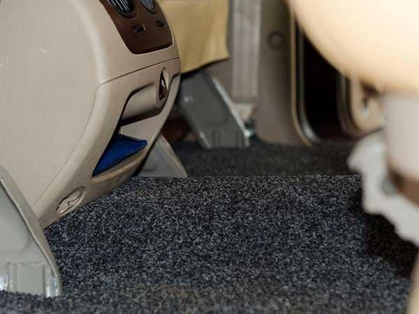How to choose a car floor