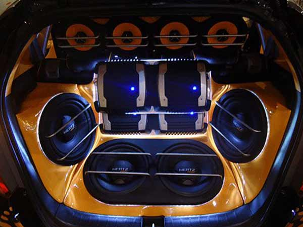 audio-system-in-the-trunk